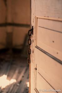 Chain+Door2